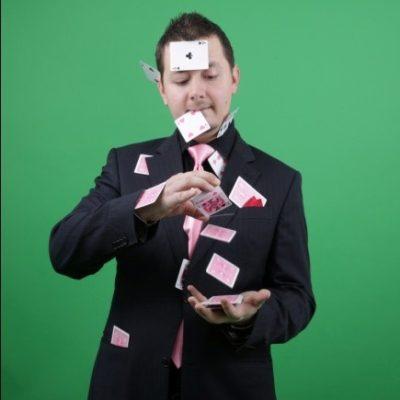 Magicianul Paul Lungu